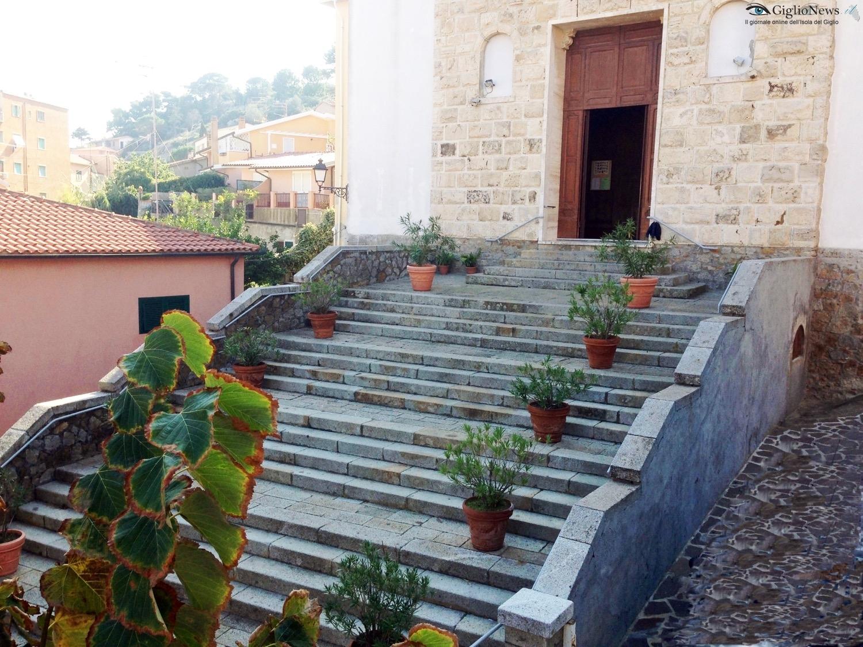 scalinata_chiesa021115