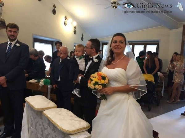 Andrea-Oppi-e-Caterina-Cante-sposi.-Giglio-Campese-1-Ottobre-2016