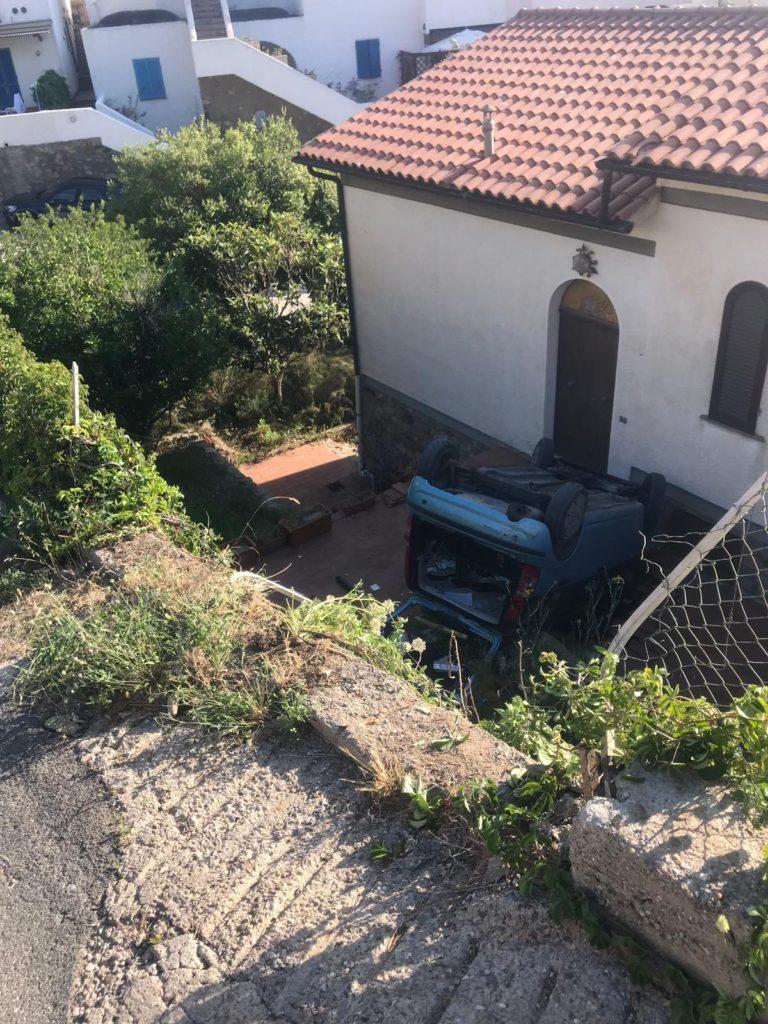 incidente auto cortile isola del giglio campese giglionews