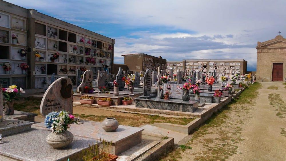 soldi cimitero isola del giglio castello giglionews