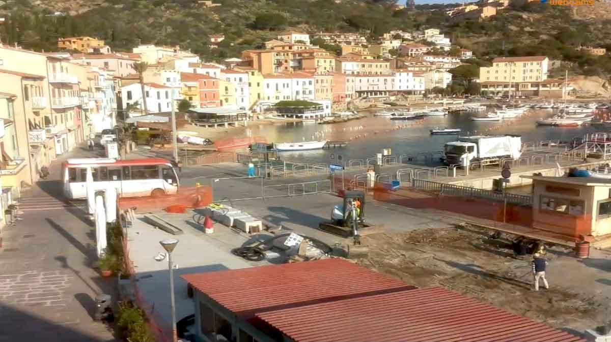 lavori piazza porto isola del giglio giglionews