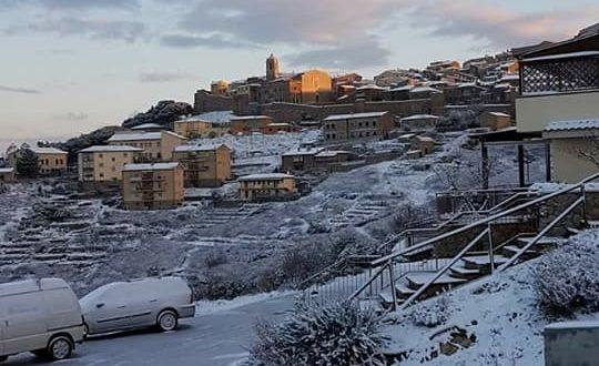 gloria neve isola del giglio castello