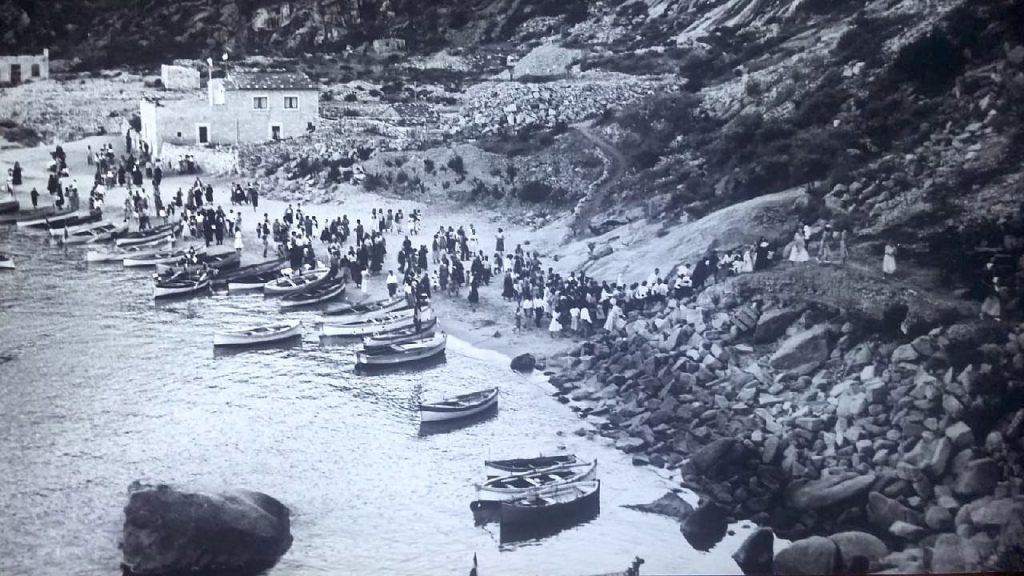 colore del mondo poesia tonino ansaldo isolotto cannelle processione isola del giglio giglionews
