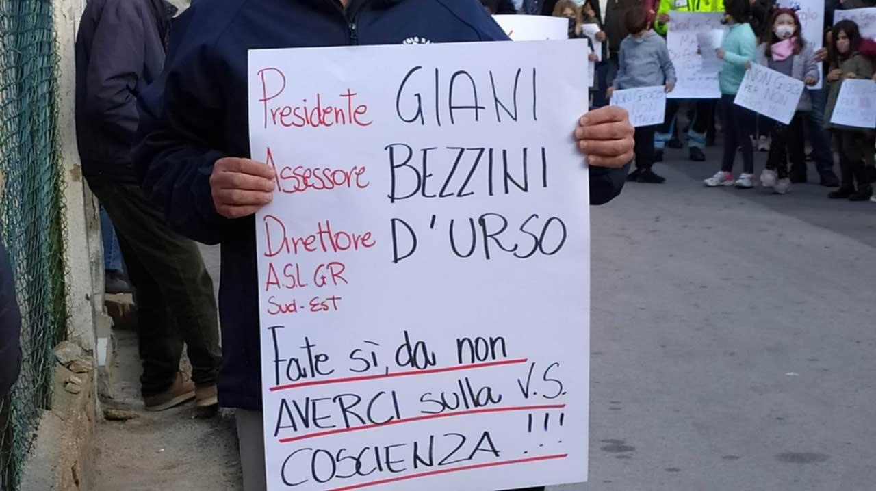 protesta sanita isola del giglio giglionews