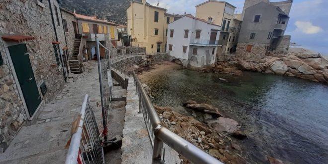 ringhiera caletta saraceno italia nostra isola del giglio giglionews