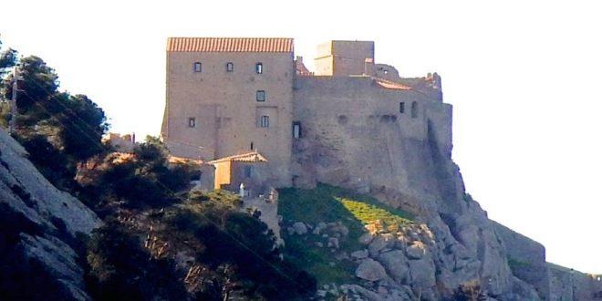 minoranza restauro rocca pisana aldobrandesca sergio giorgi tonino ansaldo poesia isola del giglio giglionews