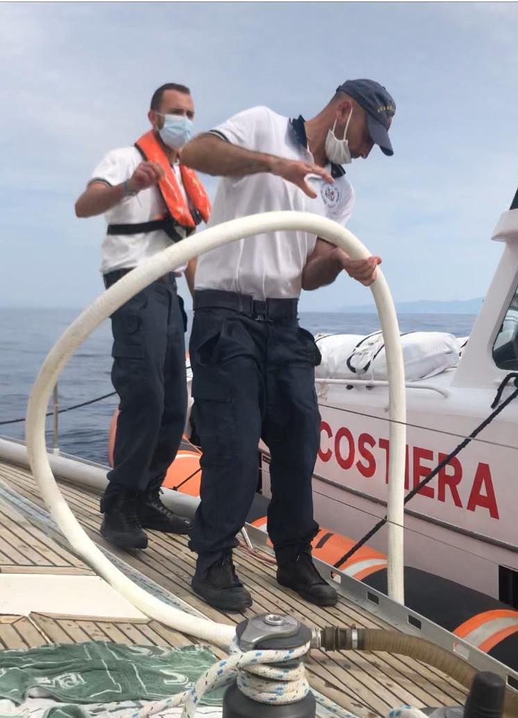 barca soccorso guardia costiera isola del giglio giglionews